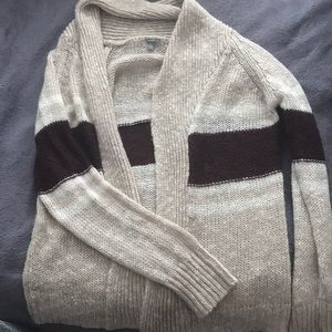 A warm sweater cardigan perfect for the winter!